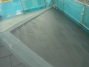 名張市 長持ちする水性フッ素塗料をスレート屋根に塗装