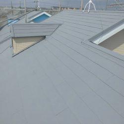 橿原市 省エネ大賞の断熱セラミックガイナを屋根に塗装