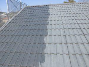 三重県名張市屋根瓦に下塗り塗装3