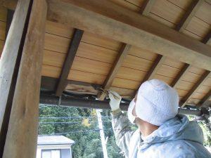 奈良県宇陀市U様 外壁塗装 玄関の木部塗装1