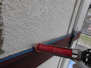 三重県名張市 外壁修理 幕板の上にもシーリング材充填