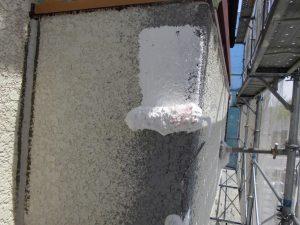 名張市 外壁に下塗り塗装5