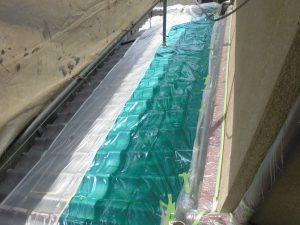 橿原市 外壁塗装前に養生シート張り2