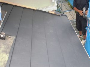 奈良県宇陀市 断熱効果あるガルバリウム鋼板の屋根工事