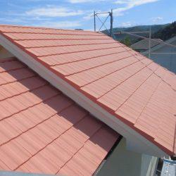 橿原市 モニエル屋根瓦に20年長持ちするガイナを塗装