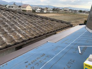 大和郡山市 屋根にガルバリウム鋼板を重ねるカバー工法