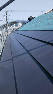 橿原市 屋根にガルバリウム鋼板を重ねるカバー工法工事