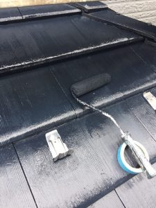 名張市 耐用年数10年のシリコン塗料を屋根に塗装