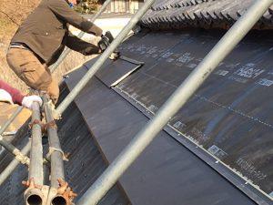 ガルバリウム鋼板 横段ルーフαSを張る2
