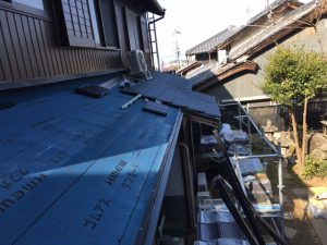 奈良県桜井市 ルーガを葺く1