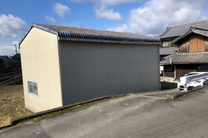 三重県伊賀市 倉庫の外壁に15年もつシリコン塗料で塗装