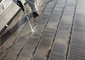 名張市 スレート屋根の塗装前の洗浄が長持ちさせる秘訣