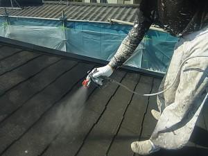 4 屋根下塗り塗装(3回塗りました)
